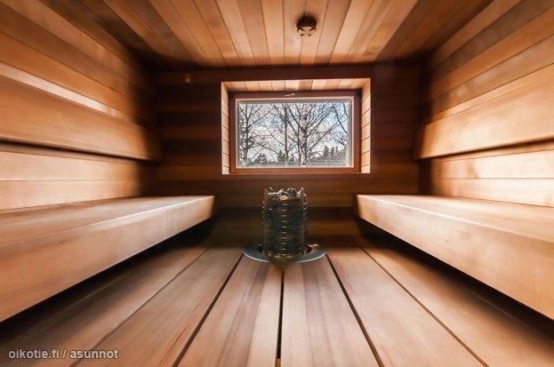"""Uusi huikaiseva kivitalo """"Kalliola"""" omalla upeella tontilla Viikinmäessä. Kiinteistöltä avautuvat panoraama näkymät Vantaanjoelle. Rakentamisessa on noudatettu tinkimättömästi hyvä"""