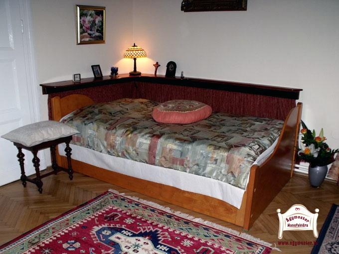 Egyedi formájú felnőtt ágy
