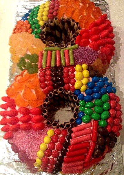 Торты на 8 марта, как испечь торт в форме восьмерки, Торты из готовых коржей без выпечки