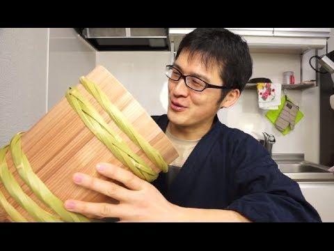 桶職人さんが作った味噌作り用の手作り木桶