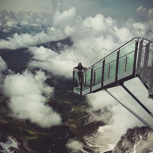#treppeinsnichts #stairwaytonothingness #dachstein #glacier #mountains #clouds #austria #landscape #ramsauamdachstein #mountainscape #mountainview #schladmingdachstein