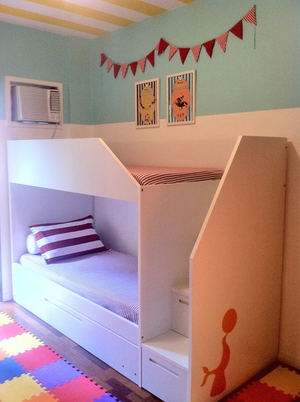 simple design . Bunkbed -- use steps as drawers for extra storage