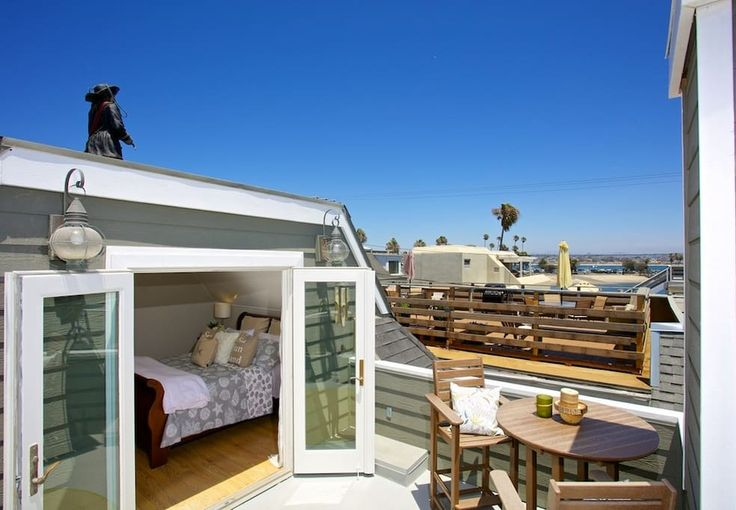Check out this awesome listing on Airbnb: Nantucket Style Beach Home w/ Private Ground Floor Deck, BBQ, Fireplace! - Houses for Rent in San Diego