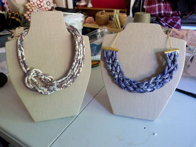 Fabric Exhibition Stand Here Alone : Tutorial make your own fabric covered necklace display