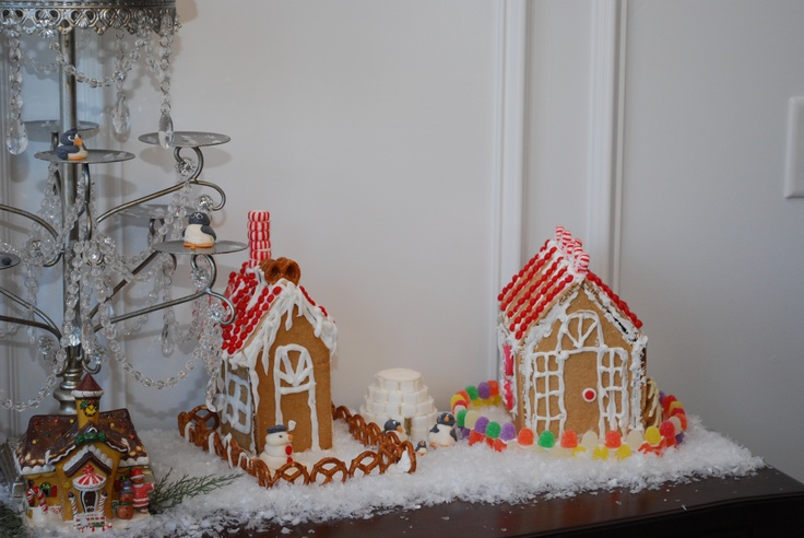 Gingerbread House Ideas- Decorate your Dining Room with homemade Gingerbread this year!