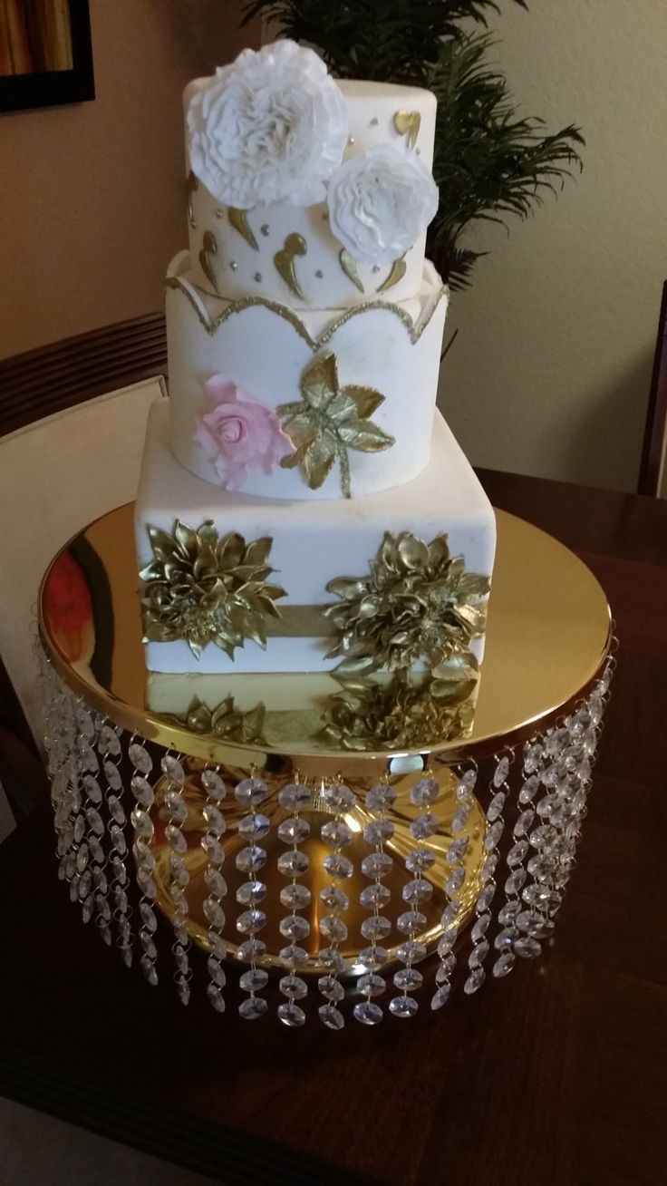 tall gold wedding cake stand 13 best images about wedding cake on 20738