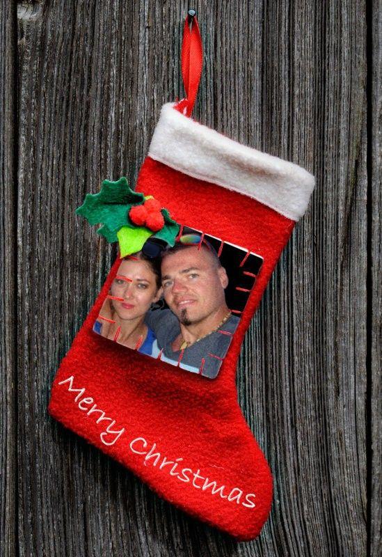 Z okazji Świąt Bożego Narodzenia życzymy wszystkim dzieciom wspaniałych prezentów i miłej zabawy pod choinką.