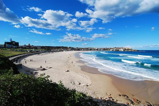 Bondi Beach, Sydney 暖かい南半球に行きたい♫ クーラー壊れて寒すぎる(T_T) 춥다 ㅠㅠ
