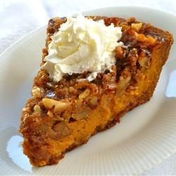 Streusel-Topped Pumpkin Pie - this pie will melt in your mouth ...