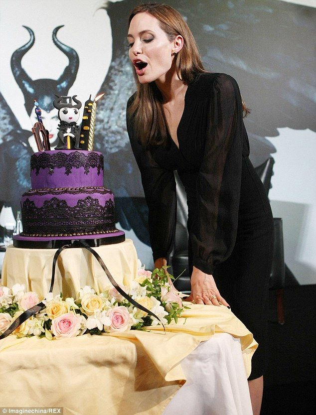 Can we have a slice?: The Oscar winner was presented with a clever Maleficent themed purpl...