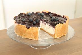 Door alle drukte omtrent de verhuizing zou ik het bijna vergeten maar jullie hadden het recept van mijn verjaardagstaart nog tegoed! Een heerlijke zuivelvrije cheesecake, dit keer met bosbessen en ...