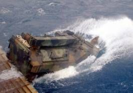 Asalto Anfibio AAV vehículo - Marines de la Armada de EE.UU.