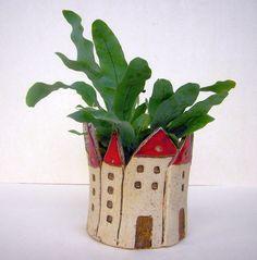 HÄUSCHEN Kleiner Übertopf aus Keramik - ein Designerstück von beckkeramik bei DaWanda