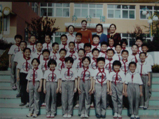 I am in class 3 (which there are 6 class in my grade) with 34 more students, a head teacher, nursing teacher, and a teaching assistant. This is the first photo I could find with all my classmates. In boarding school we wore the same uniform even including the socks(optional),  school bags, and leather shoes(optional). However at the beginning of the first couple days I did't feel we have that much in commons. So I found it might be hard to make friends.