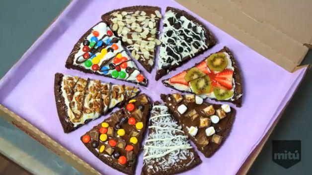 Cómo hacer una pizza de brownie decorada para una fiesta divertida - El Gran Chef