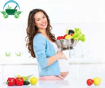 Hindi Gharelu Nuskhe provide the pregnancy diet chart in Hindi language for those women who does not know how much calorie take in pregnancy. Visit more :- http://www.hindigharelunuskhe.com/desi-gharelu-nuskhe/pregnancy-diet-in-hindi