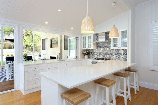 Gorgeous, love the light shades and splashback
