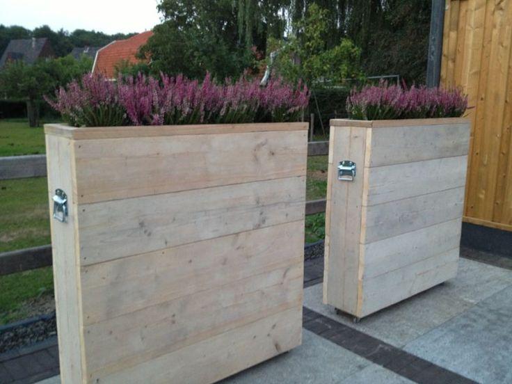 Steigerhouten plantenbak Laura. perfect als afscheiding te gebruiken, bij u thuis maar ook bij cafe en restaurant. in elke maat te verkrijgen.