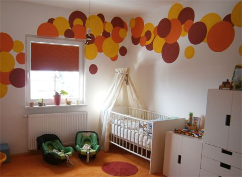 Perfect Verdunkelungsrollo f rs Kinderzimmer roller blind in a kids room rot orange gelb