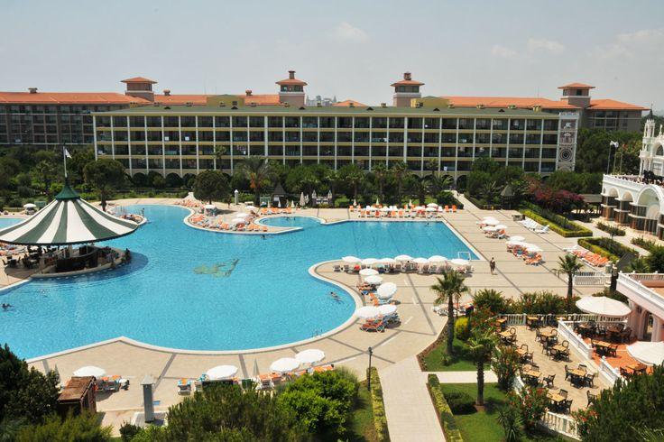 Today is the day of #pool and sun!  An amazing day is awaiting for you... 😎 Bugün günlerden #havuz ve güneş!  Harika bir gün sizleri bekliyor… #Спа #Бар #Ресторан #Бассейн #ДетскийКлуб www.veneziapalace.com