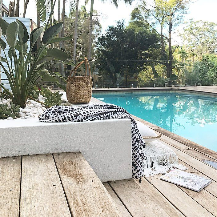 14 Comfortable And Modern Backyard Pool Ideas: Best 25+ Pool Landscaping Ideas On Pinterest