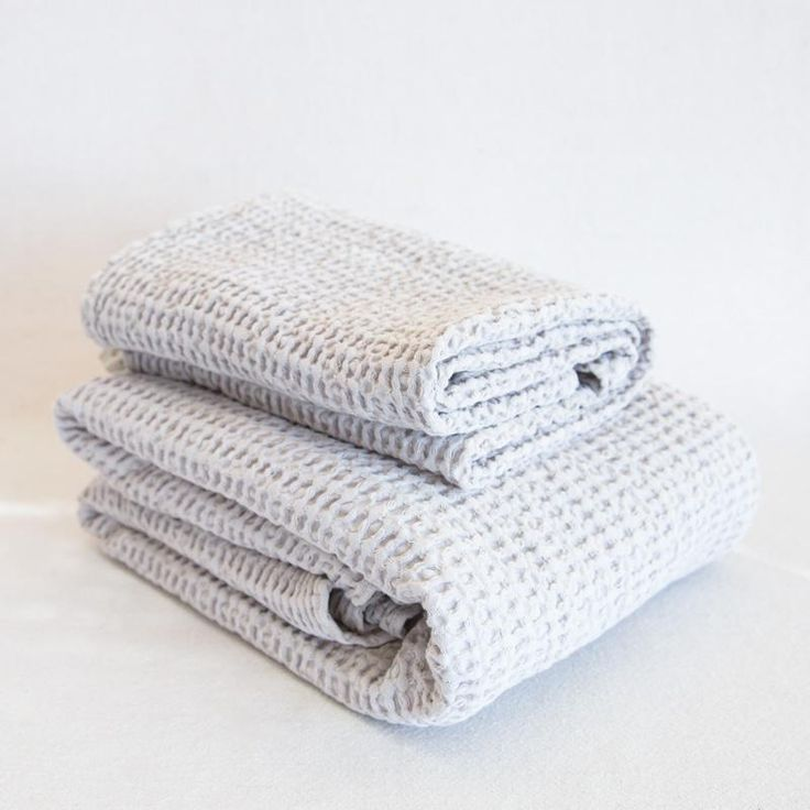 Hawkins Simple Waffle Towel Towel Linen Closet Storage Bed