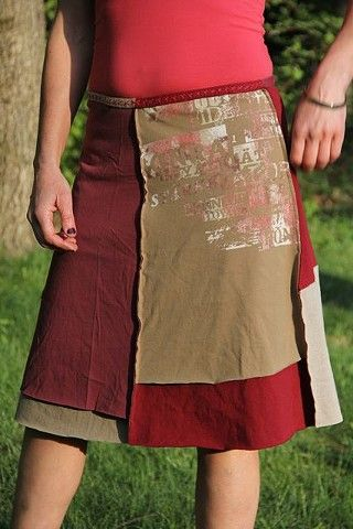Alabama Chanin-style skirts from Jupiter Girl. Would be a great way to use dye/eco-print experiments.