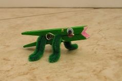 clothespin alligator croc