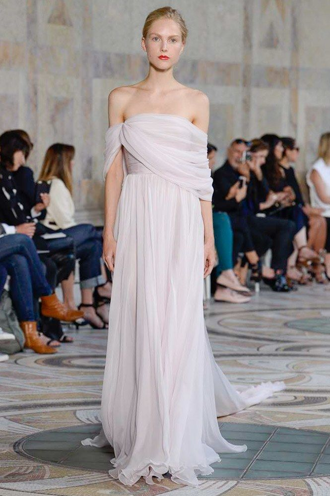 Giambattista Valli Fall 2017 Couture Fashion Show - Kirin Dejonckheere