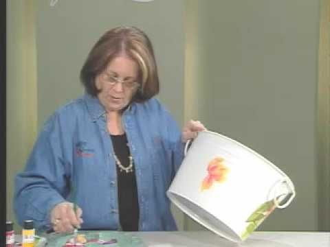 One Stroke™ creator Donna Dewberry teaches you how to paint using the One Stroke™ technique and FolkArt® Outdoor™ paints. #PlaidCrafts #crafts