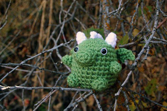 Marshmallow Dragon crochet pattern
