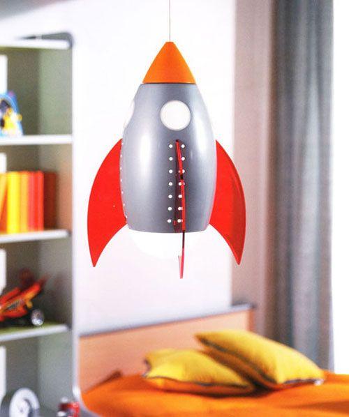 Lampadario per la cameretta di bambini a forma di razzo - Ikea lampadario bambini ...