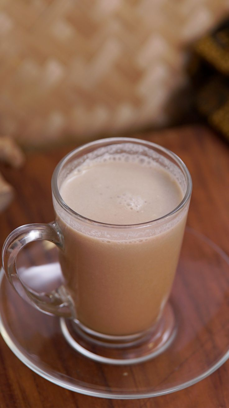Bajigur adalah minuman tradisional khas masyarakat Sunda dari daerah Jawa Barat, Indonesia. Minuman ini memiliki rasa yang gurih karena campuran santan dan gula jawa. Sangat cocok di nikmati sore hari ataupun malam hari.