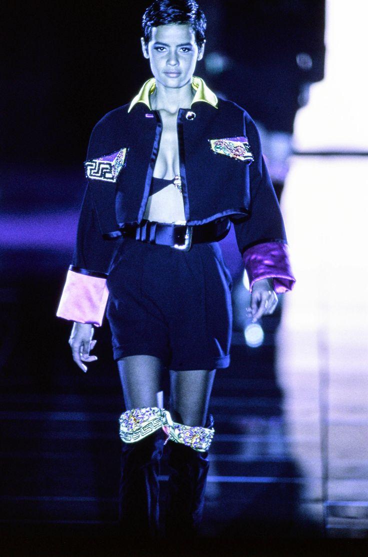 Versace fall 1991 ready to wear fashion show