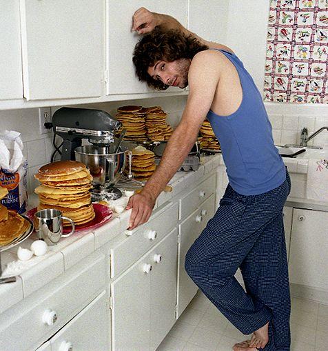 Jeremy Sisto really loves pancakes.