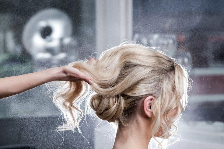 Foto-til-bryllup-hos-frisøren