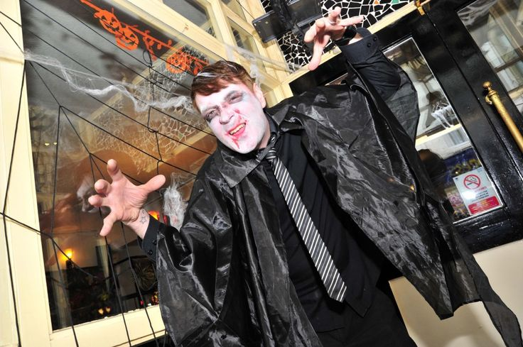Freaky Friday in Weymouth town centre on 30th October 2015.   Dolce Vita.  Picture: Graham Hunt.
