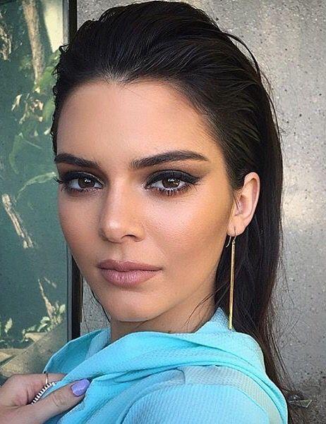 ♥ Pinterest: DEBORAHPRAHA ♥ Kendall Jenner smokey eye + eyeliner makeup look