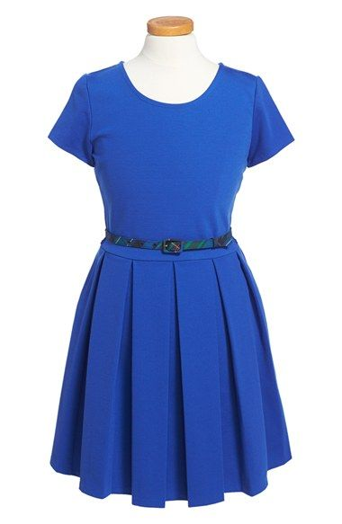 Free shipping and returns on Ralph Lauren Short Sleeve Box Pleat Dress (Big Girls) at Nordstrom.com. An easy short-sleevedress fashioned with a hint of stretch features a swingy box-pleated skirt and slender plaid belt.