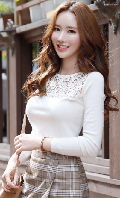 StyleOnme_Feminine Jeweled Lace Detail Knit Tee #white #lace #feminine #koreanfashion #kstyle #kfashion #dailylook #seoul #autumntrend #fallfashion