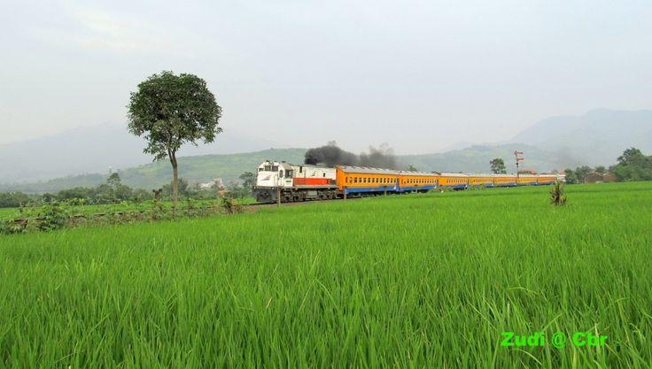 Kutojaya Selatan passenger train bounds to Bandung