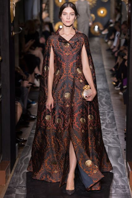 Renaissance Inspired Fashion 2014 | Though Renaissance inspired gowns seemed fit for royal parties only,