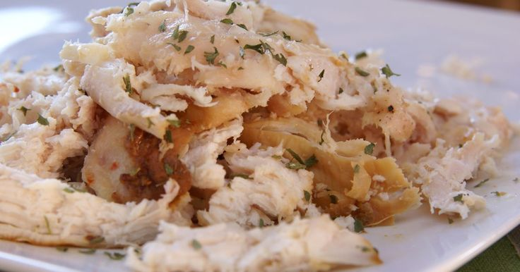 Shredded chicken is is handy to use for salads and sandwiches, burritos and enchiladas, pizza toppings, hearty pot pies, baked pasta dishes and quick-to-cook soups. Use 100-percent white meat, and your shredded chicken will also be low in fat and calories. Chicken breasts can simply be baked in the oven in preparation for shredding, but it's...