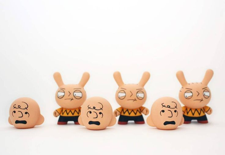 El Impostor  Only left one!  Available in my shop  #wuzone #custom #dunny #kidrobot #cartoon #charliebrown #stewiegriffin #familyguy #thewuz #artoy #toy #vinyl #vinyltoy #acrylic #painting #collectible #geek #diy by thewuz
