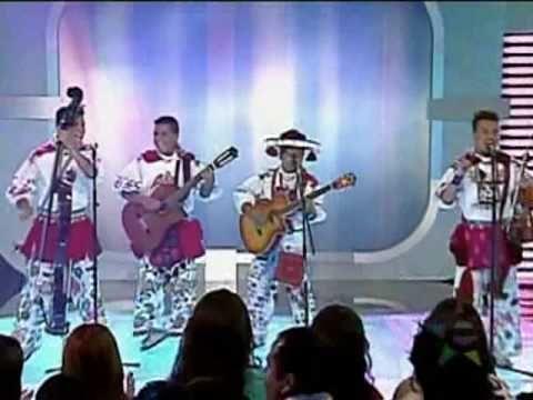 CUMBIA CuSINELA - Huicholes Musical - YouTube