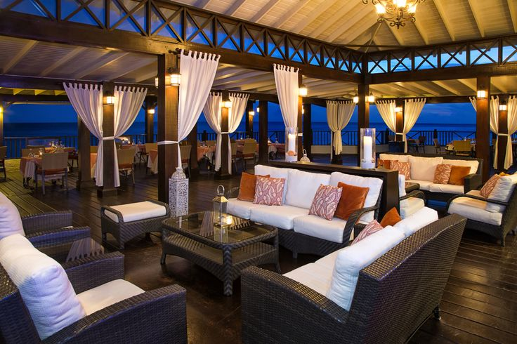 Azul Restaurant at Sea Breeze Hotel in Barbados @Seabreezebeachhotel #barbados #bhta @Barbados Hotel & Tourism Association