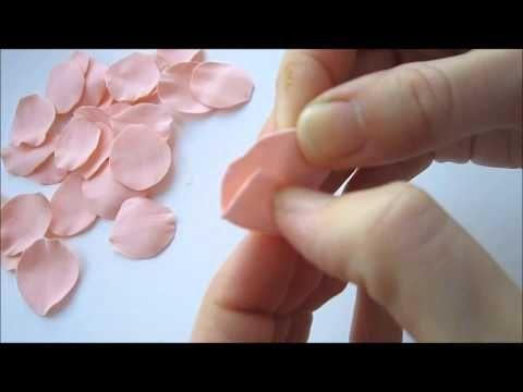 В этом мастер классе вы научитесь делать бутон для розы из фоамирана. Автор: Марина Мартьянова Больше МК на сайте: http://mmartyanova.ru/
