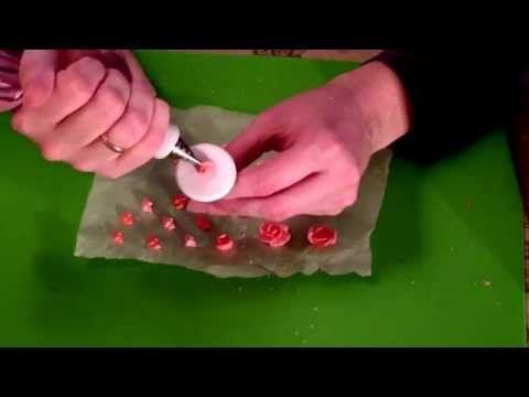 Мастер класс по созданию сахарных цветов для пряников - YouTube