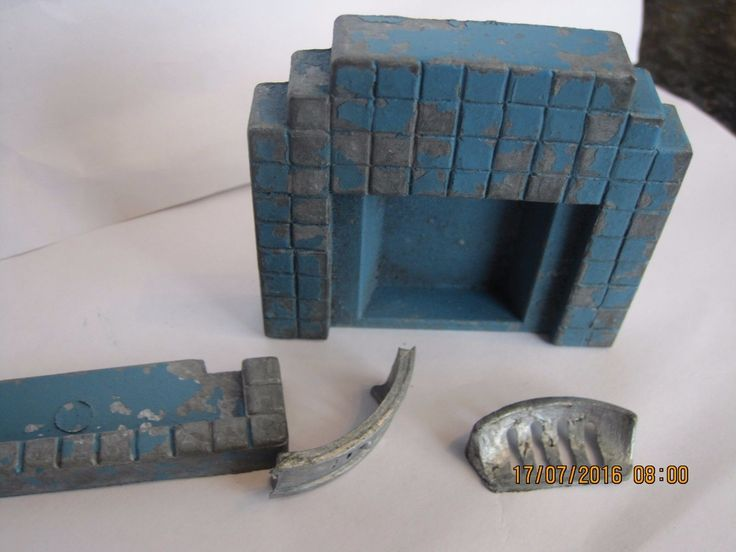 VINTAGE CHARBENS METAL FIRE PLACE DOLLS HOUSE COMPLETE RARE BLUE | eBay