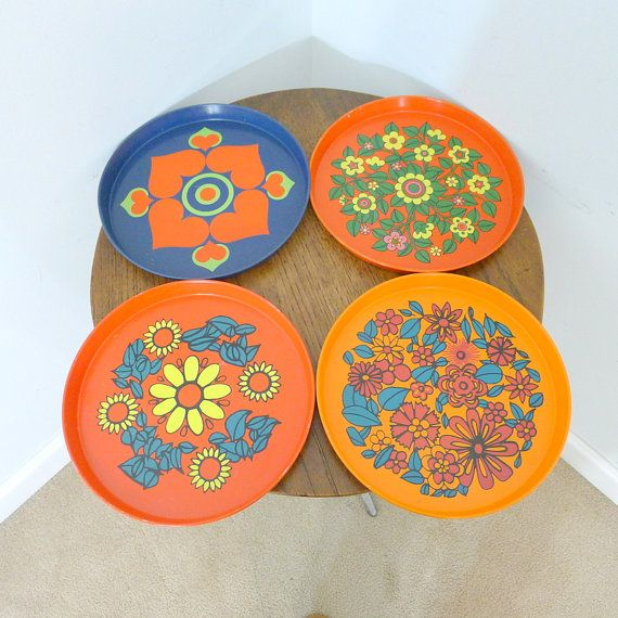 4 Vintage Metal Mod Serving Trays Atomic Graphic by AgedNicely